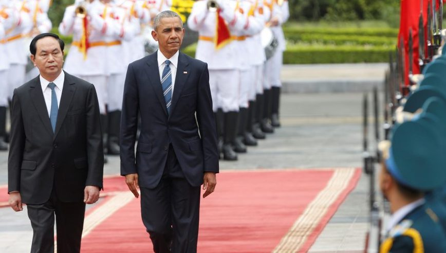 Obama Lifts Arms Embargo to Vietnam on His Visit- Can he do that?