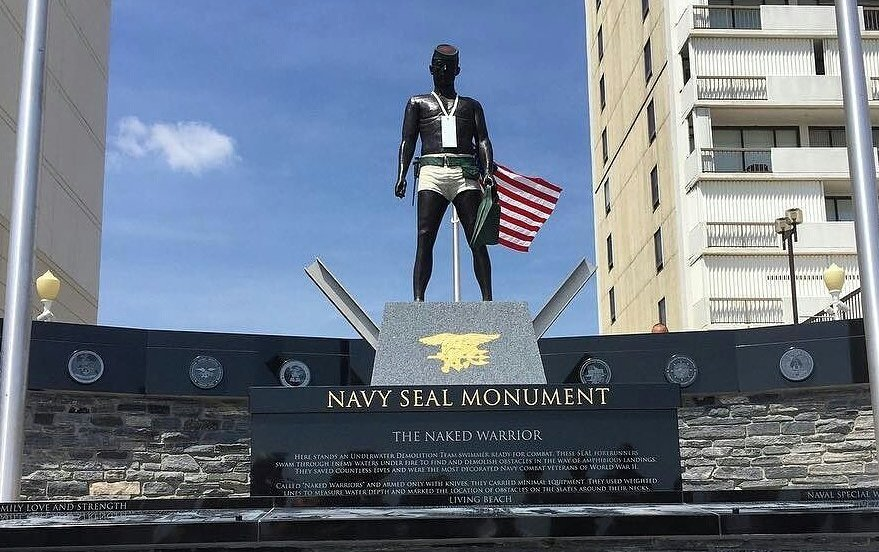 Virginia Beach Monument Navy Seals From Frogmen To Elite Fighters